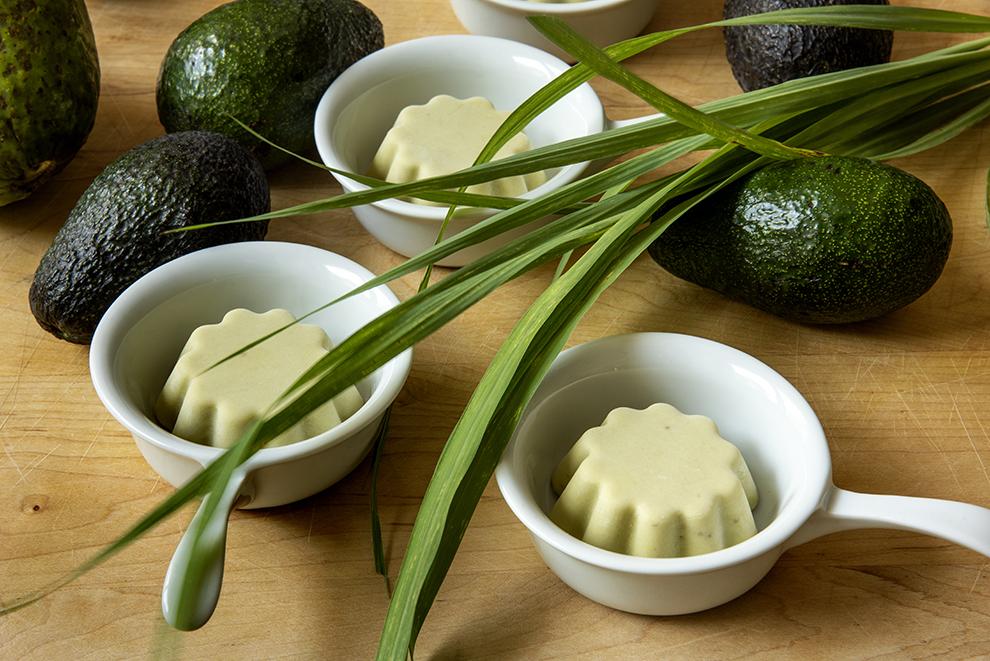 Mousse de Abacate com Capim-Santo