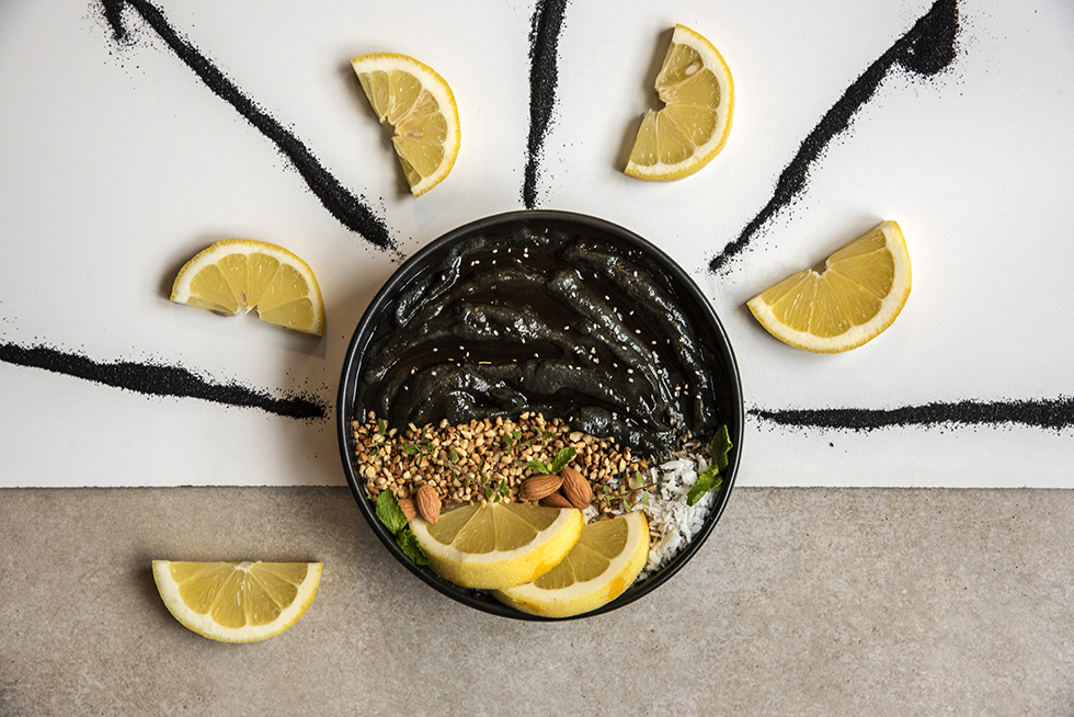 Bowl Detox de Carvão Ativado