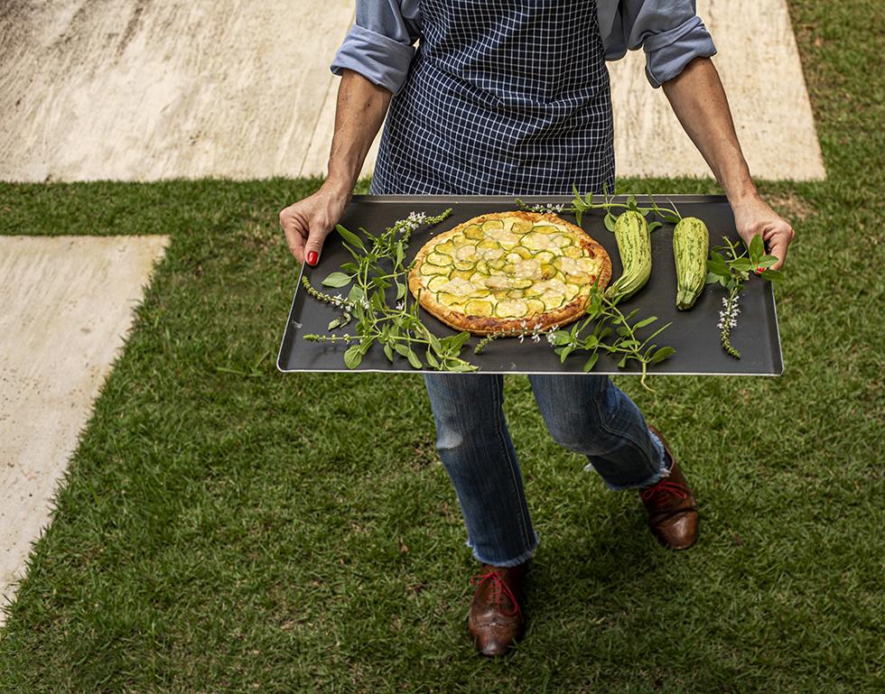 Pizza de Massa folhada com Abobrinha e Parmesão