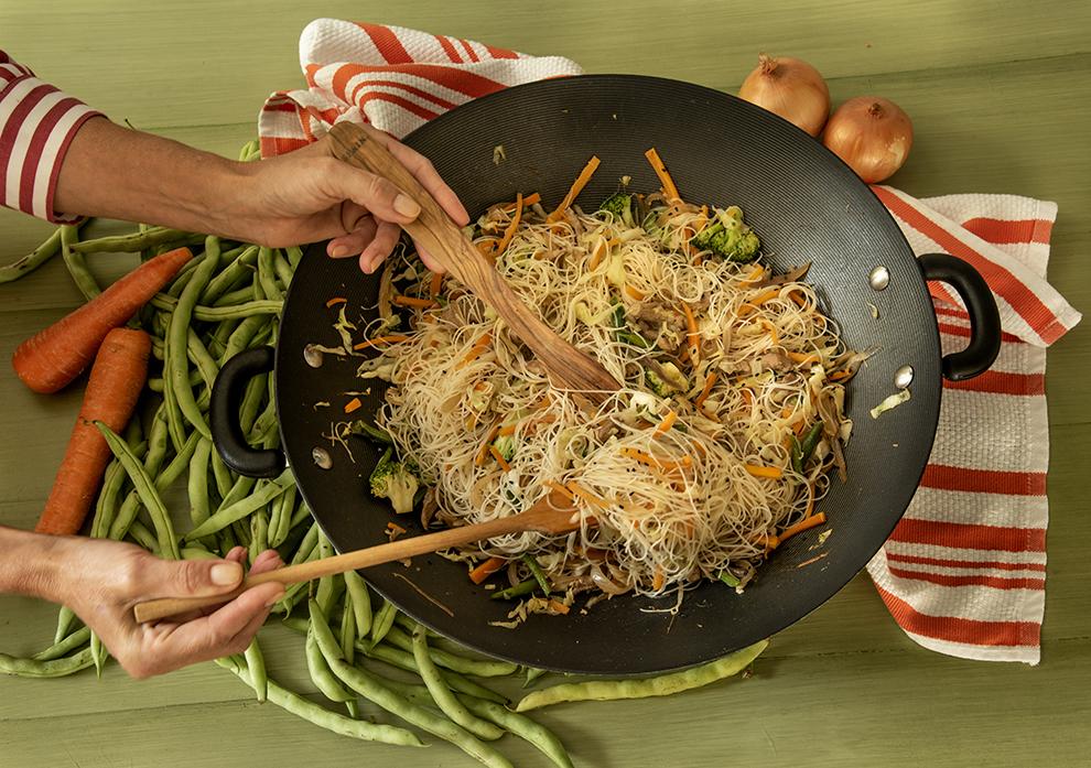 Bifum Oriental de Porco com Legumes