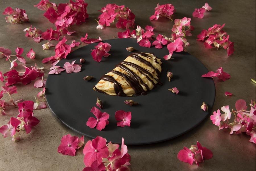 Crepe com Crème Pâtissière e Ganache de Chocolate
