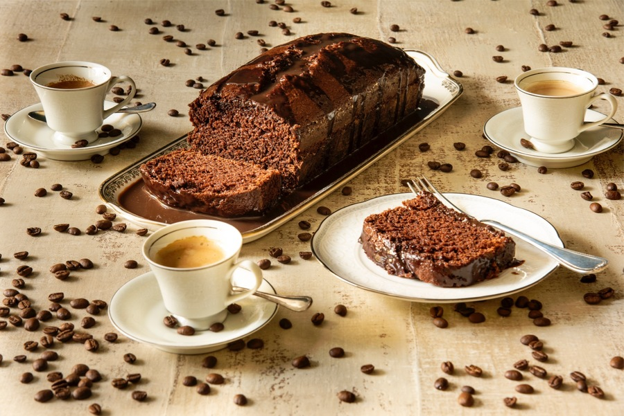 Bolo de Chocolate e Café com Calda de Cappuccino