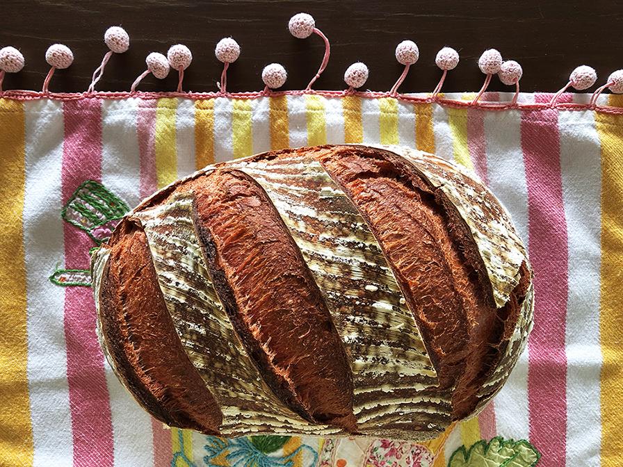Pão de Beterraba com Levain