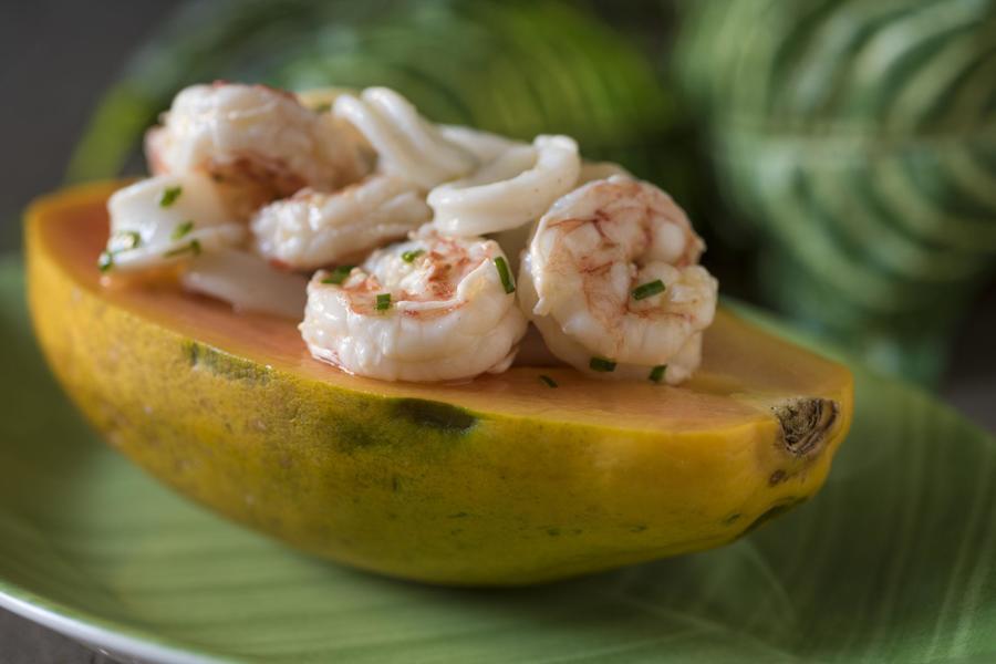 Salada de Frutos do Mar Servido em Papaia