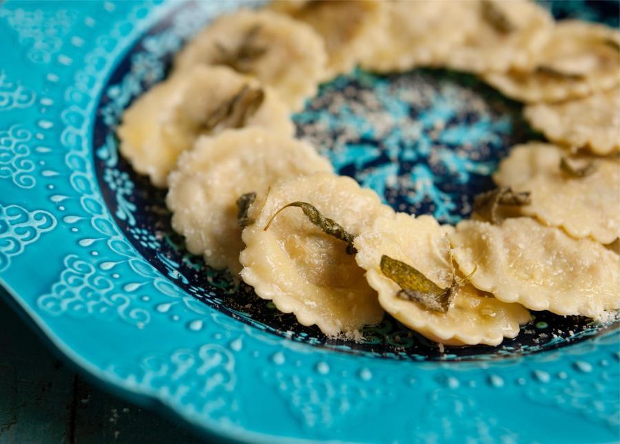 Ravióli de Abóbora na Manteiga de Sálvia