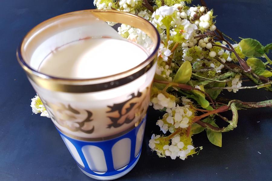 Molho de Iogurte com Água de Flor de Laranjeira