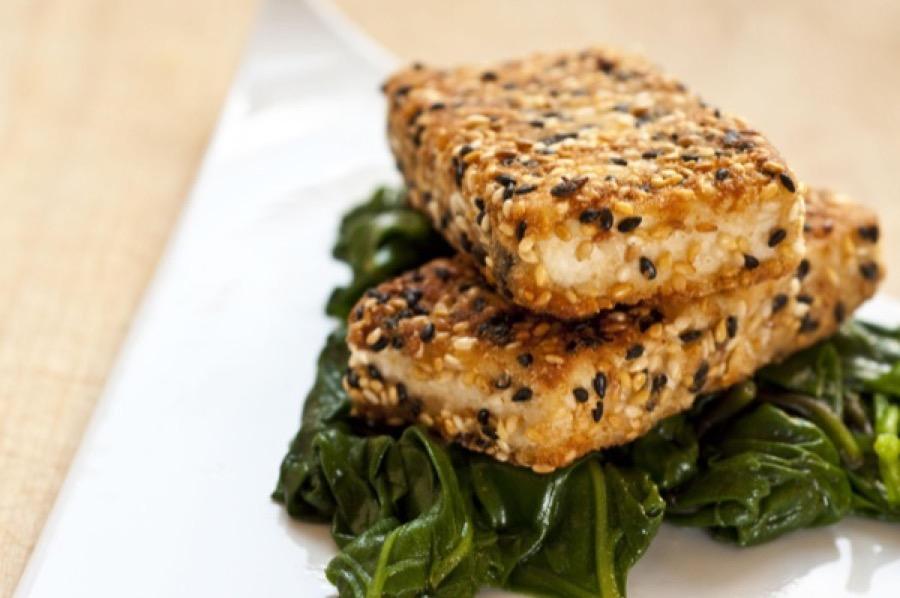 Tofu Empanado com Sementes de Gergelim