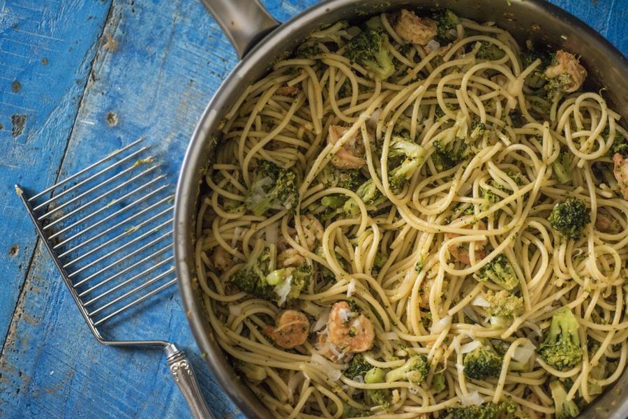 Espaguete com Brócolis e Camarão