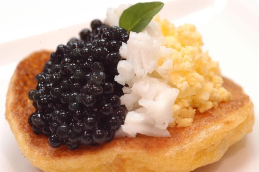 Blinis de Milho Verde com Caviar