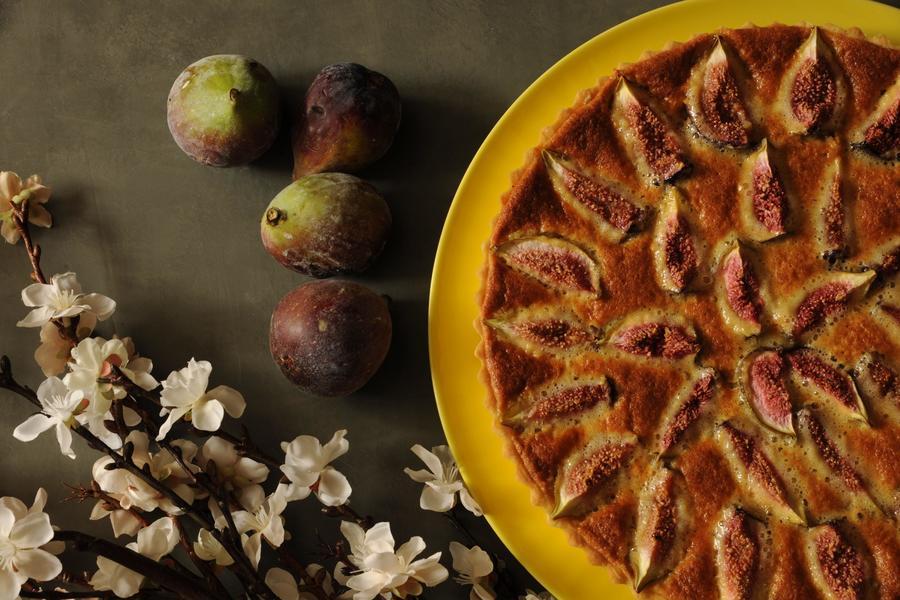 Torta de Figos com Frangipane, Mel e Alecrim