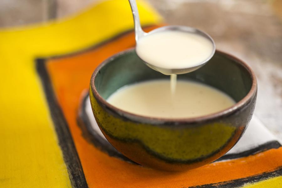 Crème Anglaise (Calda Clássica de Baunilha à Base de Gemas)