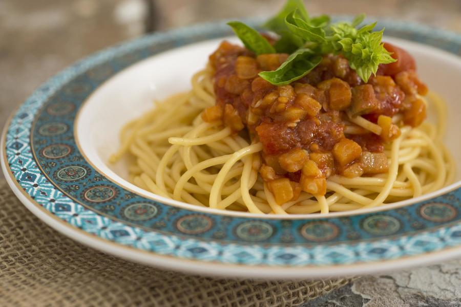 Spaghetti alla Norma (Spaghetti com Molho de Tomate e Berinjela)