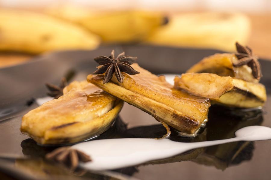 Banana Caramelada ao Molho de Coco