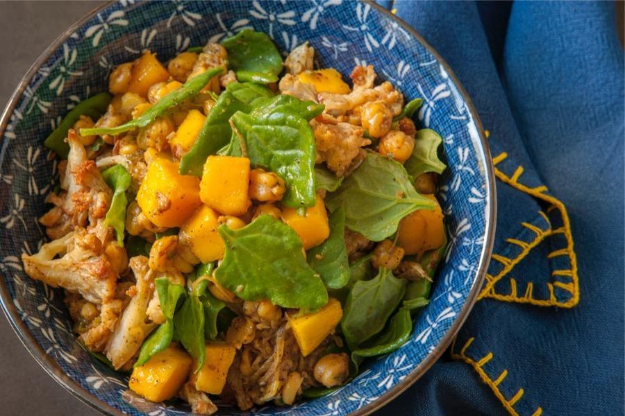 Salada de Manga e Grão-de-Bico com Curry