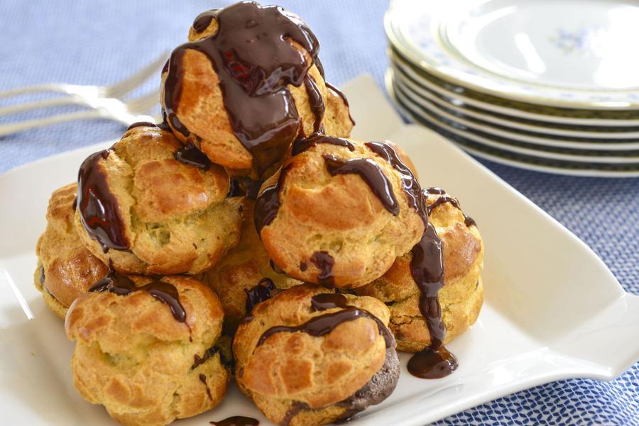 Profiteroles com Sorvete de Chocolate