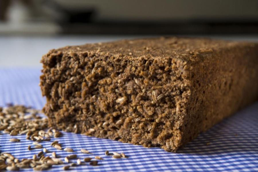 Pumpernickel (Pão Alemão de Centeio Integral)