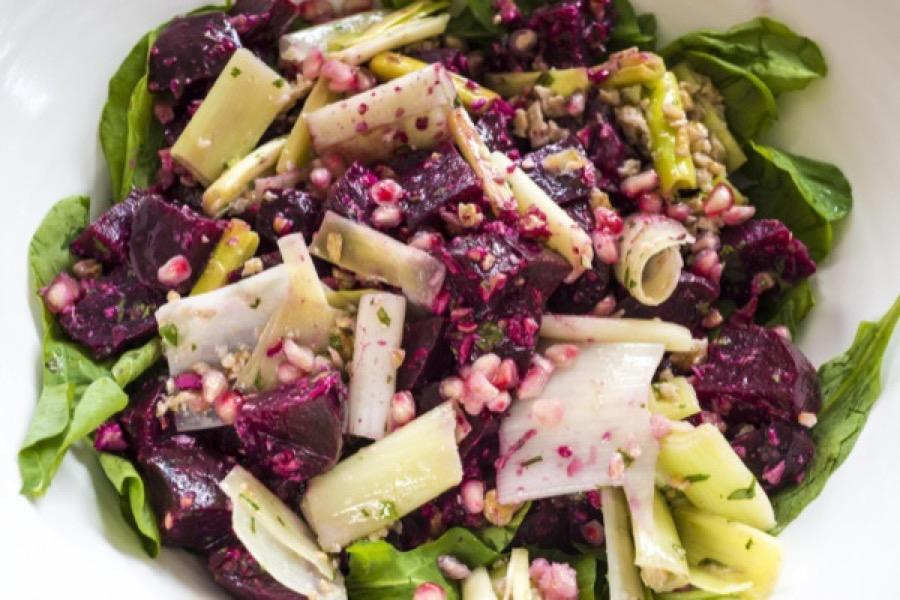 Salada de Beterraba, Alho-Poró e Nozes com Especiarias