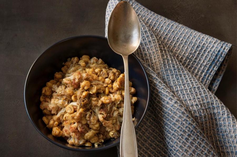Salada de Grão-de-Bico com Couve-Flor e Curry