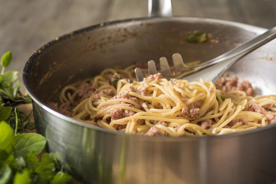 Spaghetti com Molho de Linguiça