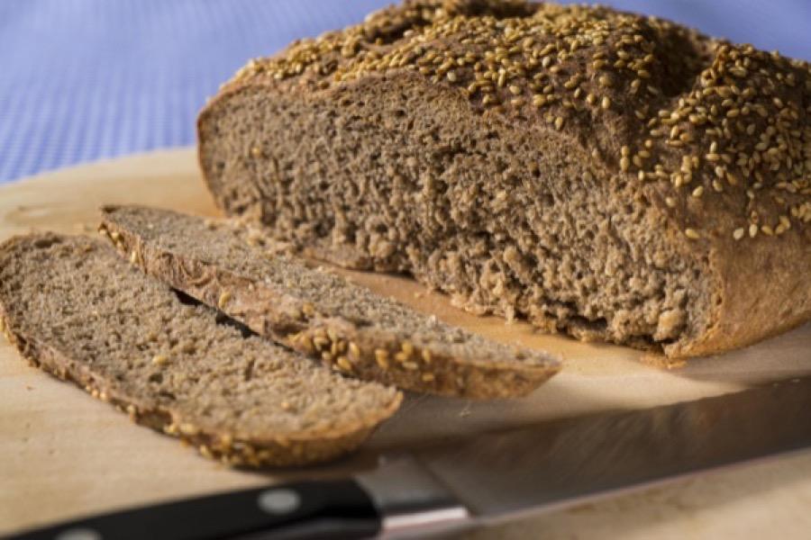 Pão Flutuante de Gergelim