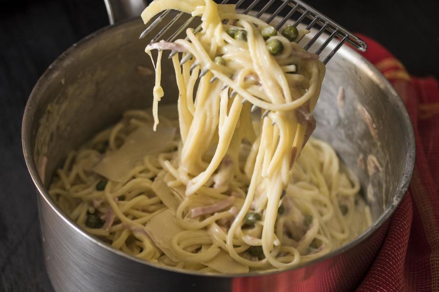 Spaghetti com Presunto e Ervilha