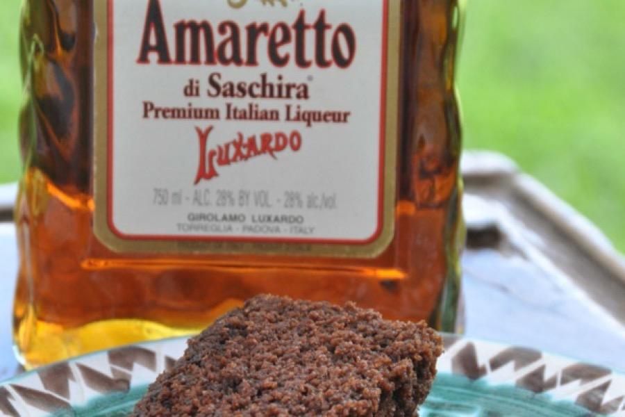 Bolo de Chocolate Amargo com Amaretto