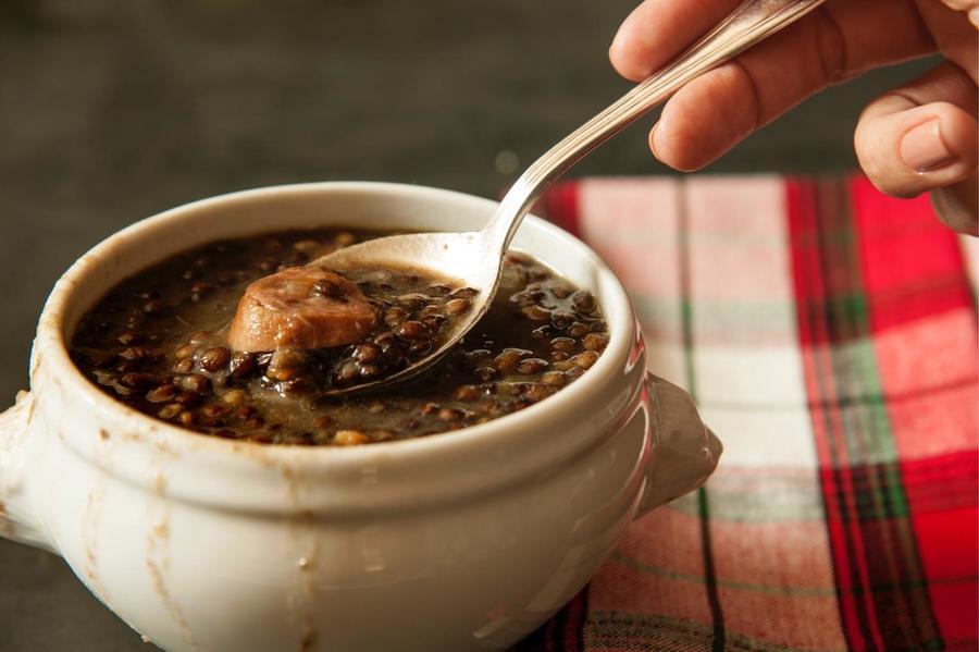 Autêntica Sopa de Lentilha com Linguiça