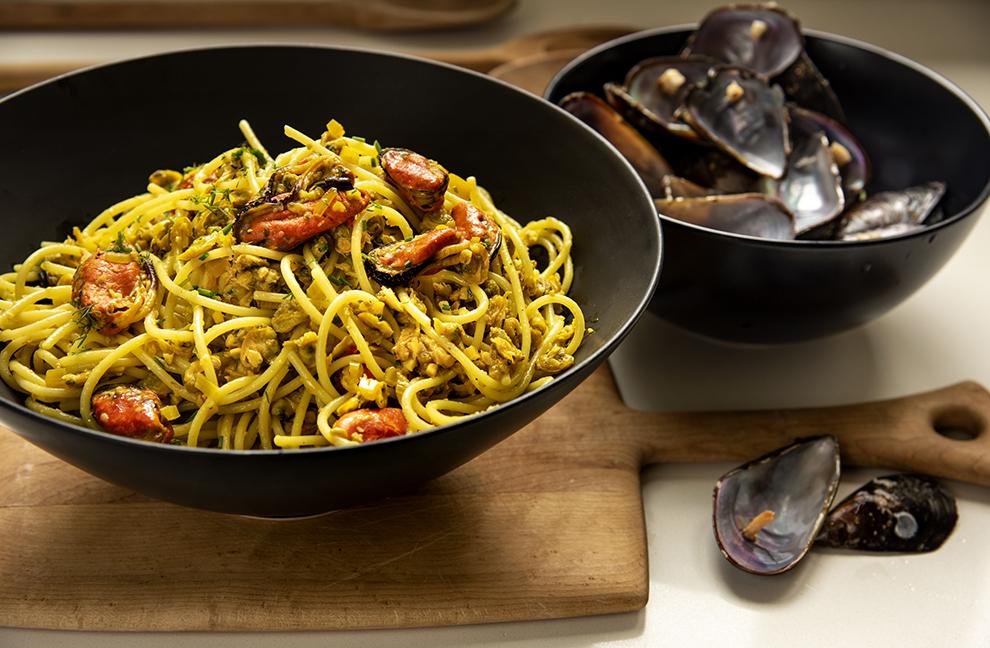 Espaguete com Vôngole, Marisco e Açafrão de Erva-Doce