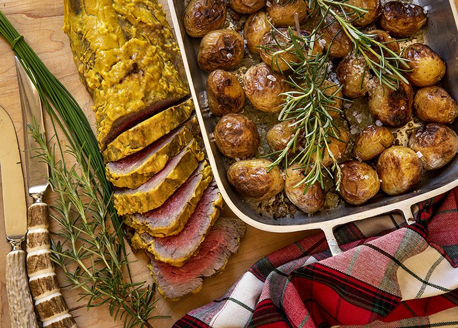 Filé-Mignon ao Molho Mostarda com Batatas Rústicas