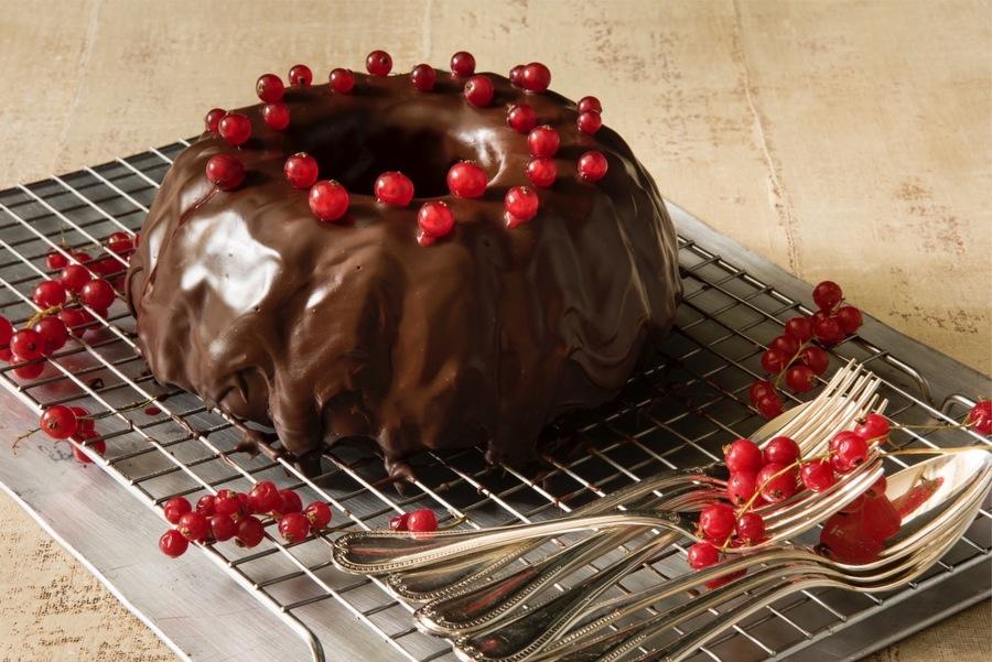 Bolo de Chocolate e Groselha