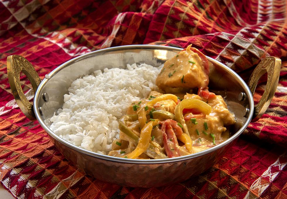 Curry de Frango com Abacaxi com Arroz de Coco
