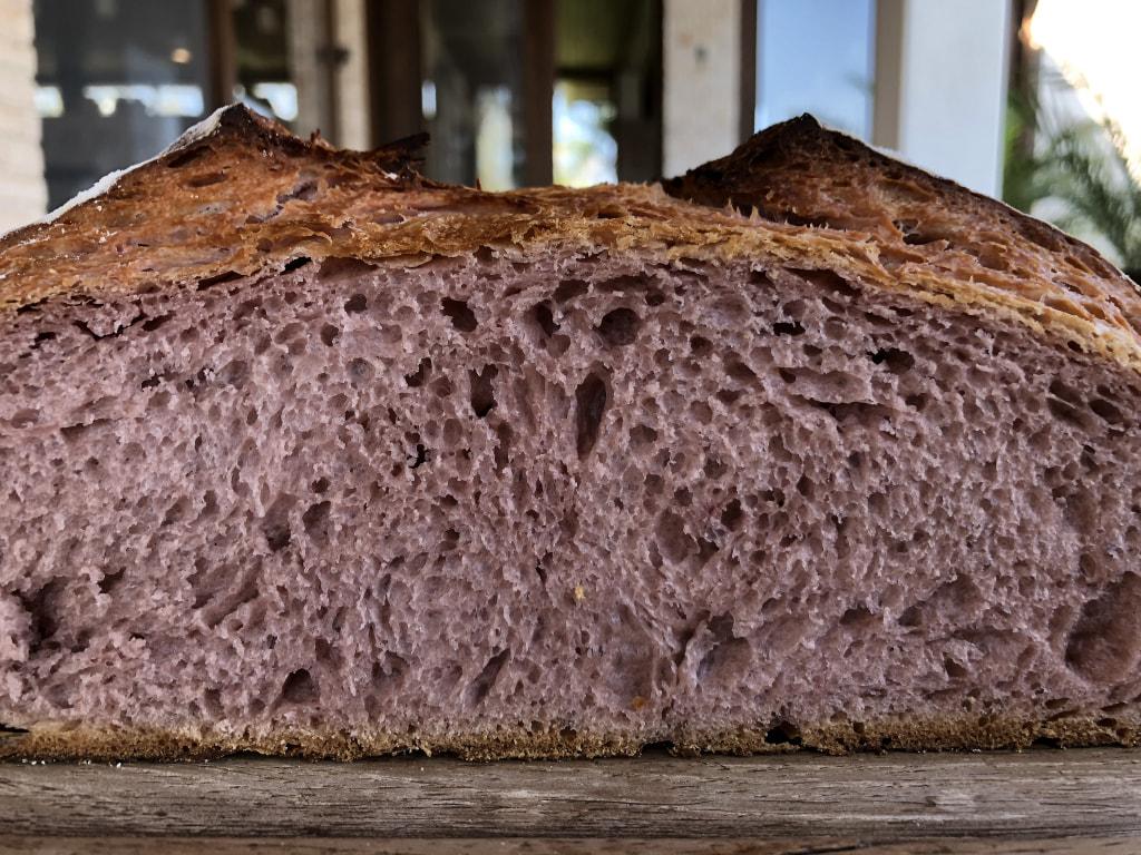 Pão de Batata-Doce Roxa com Levain