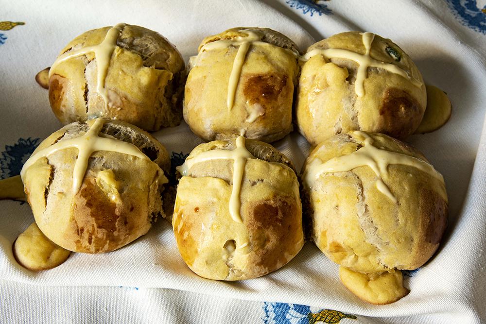 Pão Doce de Páscoa (Hot Cross Bun)