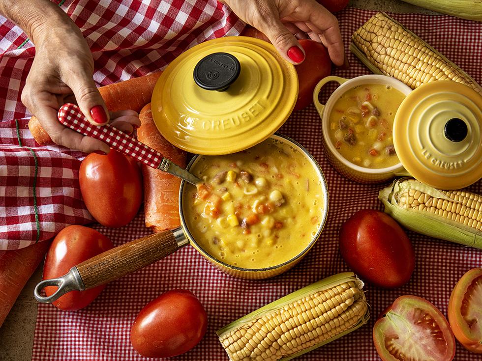 Sopa de Macarrão, Milho e Linguiça Defumada