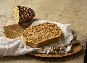 Torta de Abacaxi com Coco Queimado