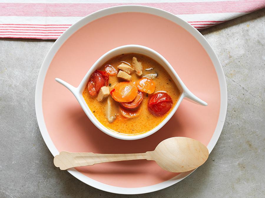 Sopa Tailandesa com Legumes e Frango
