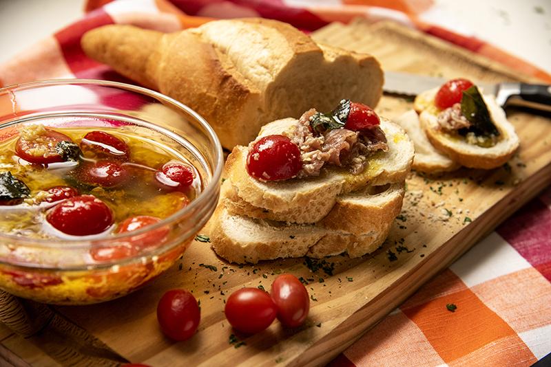 Antepasto de Parma com Tomatinho-Cereja e Parmesão