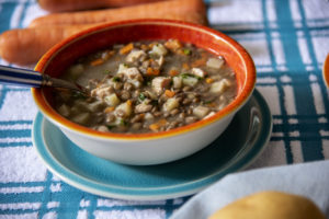 Sopa de Lentilha com Frango e Legumes