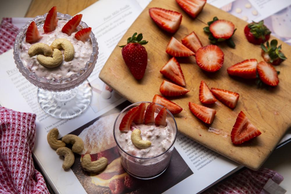 Overnight Oats – Iogurte com Frutas e Castanha