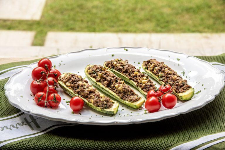 Abobrinha Italiana Recheada com Carne Moída