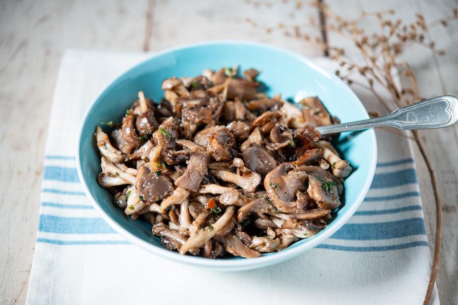 Recheio de Cogumelos Dourados com Cebolinha