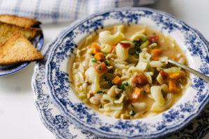 Pasta e Fagioli (Sopa Italiana de Massa e Feijão)