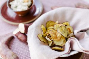 Chips de Batata-Doce com Aïoli de Ricota