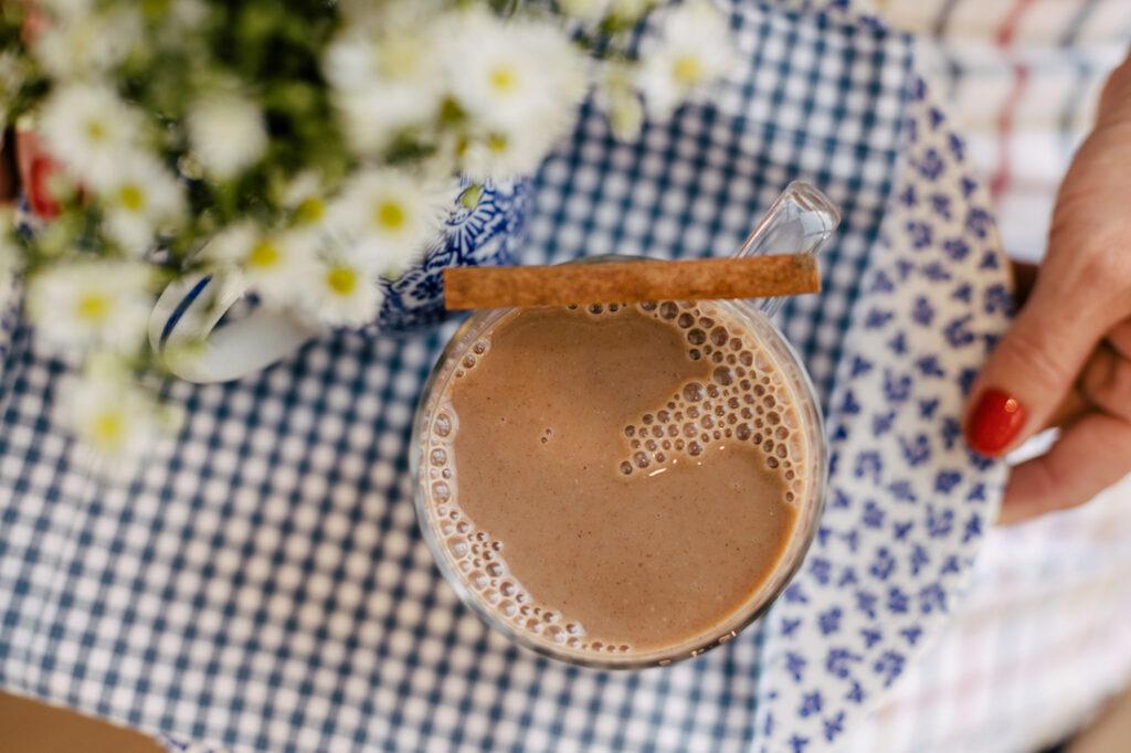 Chocolate Quente de Leite de Amêndoa