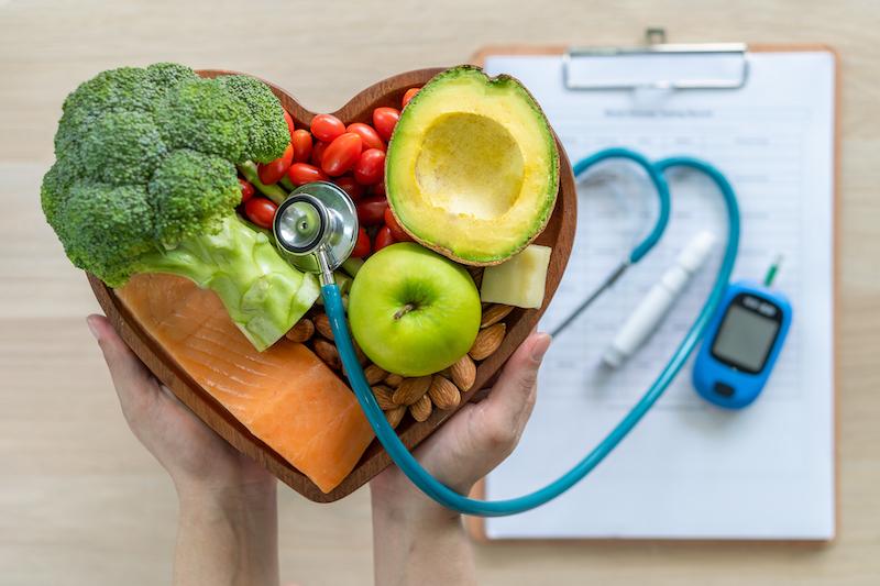 Colesterol e triglicérides: Saiba como baixá-los com alimentação