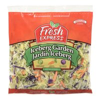 A Combination of Iceburg Lettuce, Carrots, Red Cabbage. A Good Source of Vitamin A. Thoroughly Washed and Ready to Eat.