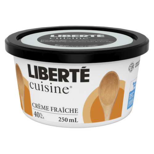 This cream is rich in fat (40%), thick and slightly tangy. Ideal for cooking, it resists heat well and enhances flavours marvelously.