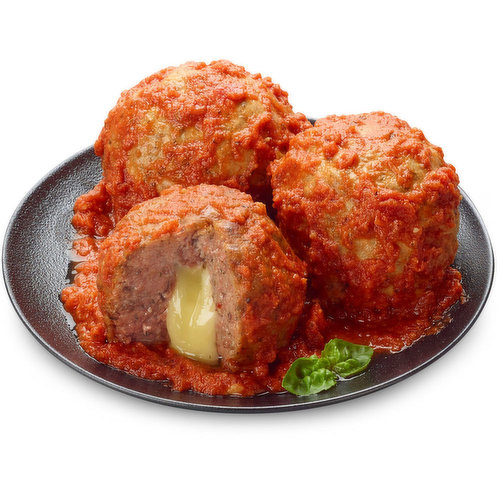A new fun approach on your favourite meatball; now in Jumbo size and stuffed with Mozzarella Cheese in Marinara Sauce for a more flavourful and enjoyable experience. Great for gathering with Family and Friends or to appreciate individually.