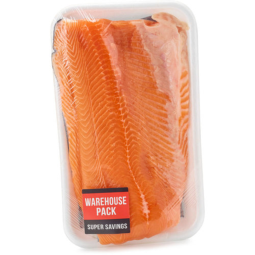 Fresh Atlantic Salmon packed by our seafood department. Average weight may vary per package depending on size of each fillet.
