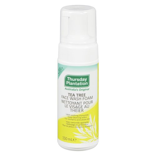 Gently removes sebum excess, dirt, and make up without stripping the skin of its natural oils.